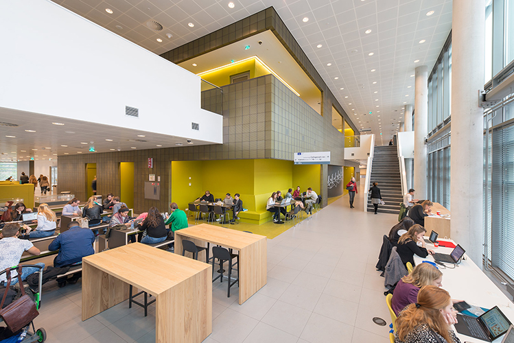 Hva wibauthuis oiii architecten for Interieur architecten amsterdam